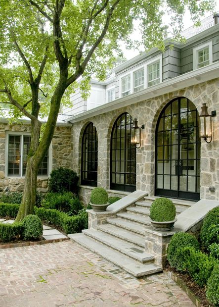 Things that inspire beautiful houses the top - Houses with arched windows ...