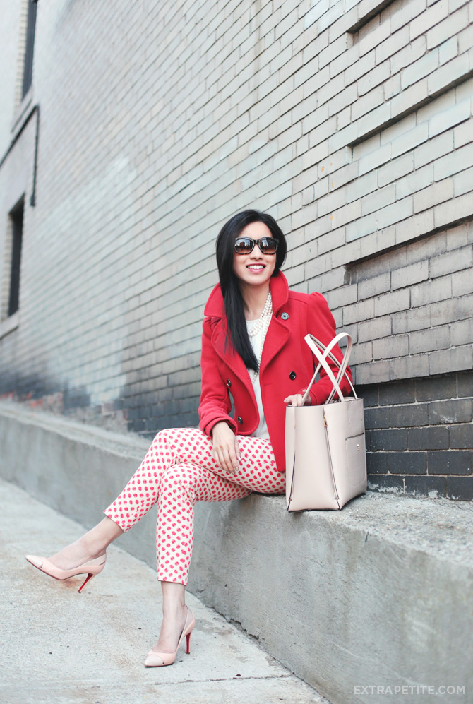 apple pants red coat2
