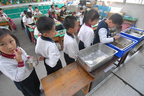 除了食慾,更講食育:校園營養午餐的功能