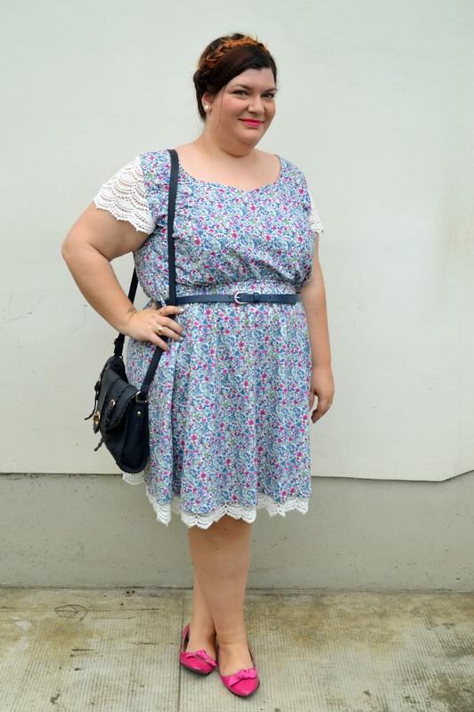 Outfit fiorellini, blu e fuxia (5)