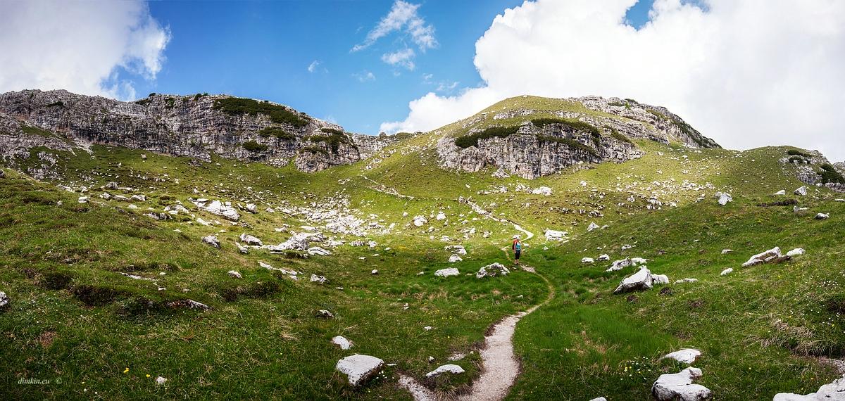 Tuenno, Trentino, Trentino-Alto Adige, Italy, 0.002 sec (1/500), f/8.0, 2016:07:01 10:38:14+00:00, 15 mm, 10.0-20.0 mm f/4.0-5.6
