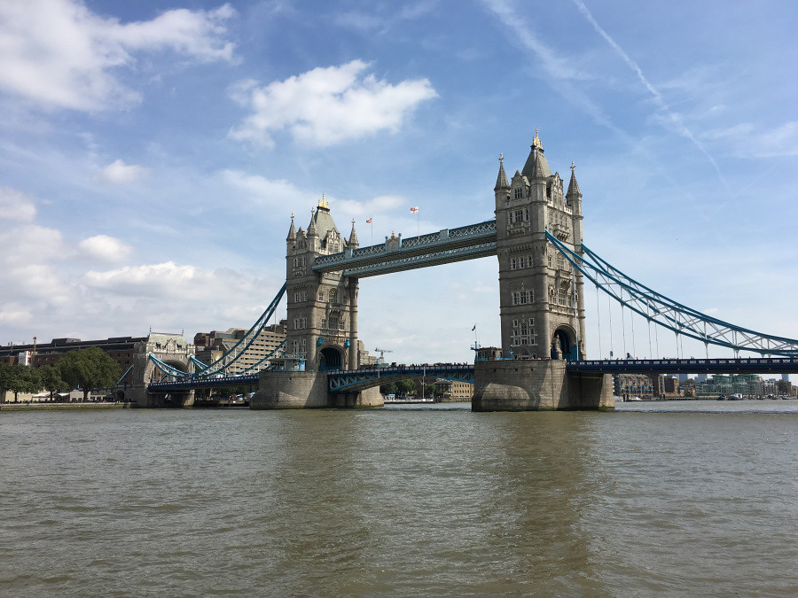 Ly, Cindy; London, England - FIFTEEN 1