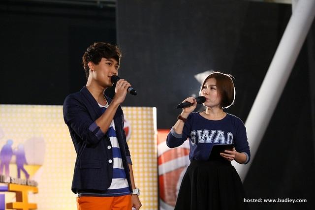 The Super Cute Hosts - Rickman Chia &Amp; Yoon Ng