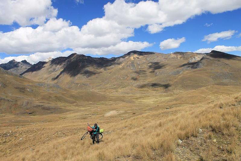 Bike hiking to Quebrada Queshque