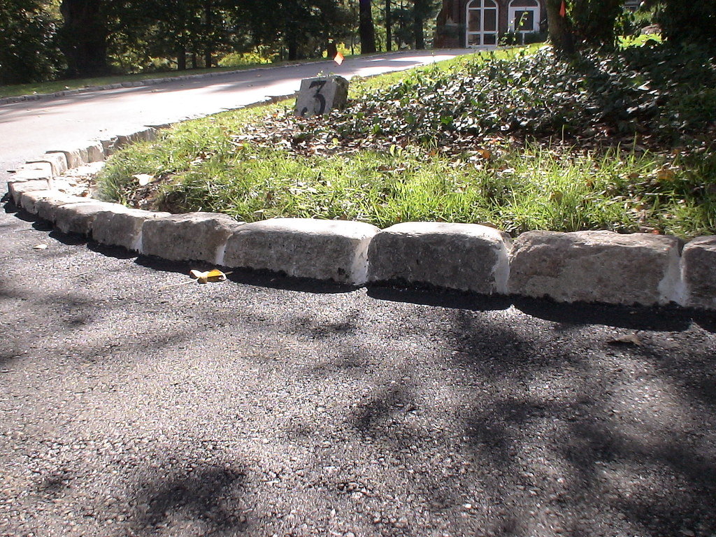 how to build an asphalt driveway