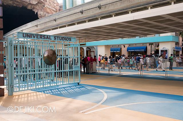 Universal Studios Singapore - Park Gates