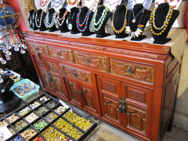 beads and crystal jewellery and necklaces
