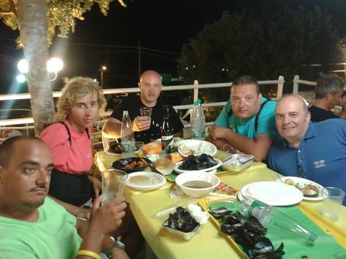 #rotolandoversosud2013 foto di gruppo da molto lontano by manuelongo