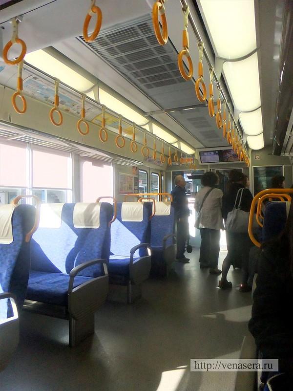 """В Токио я не встречал такого расположения сидений - они должны идти, как в московском метро, а не как в """"нашей"""" электричке"""