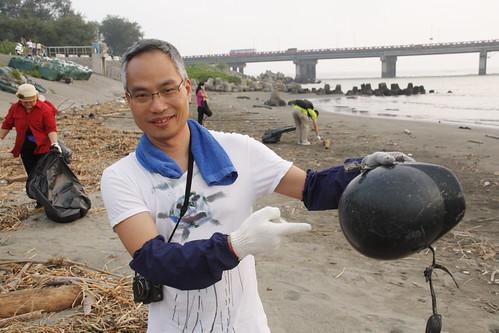 朱漢強對抗海洋廢棄物,葉人豪攝影