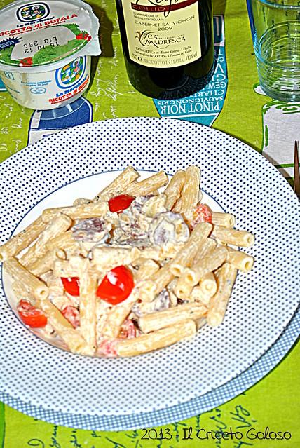 Sedani rigati con salsiccia di Norcia, ricotta di bufala e pomodorini (14)