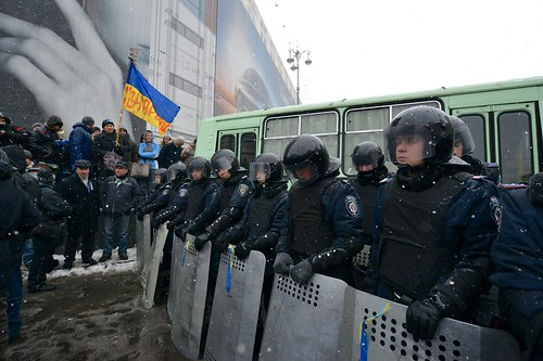 Riot police blocking access to Khreschatyk street and Euromaidan