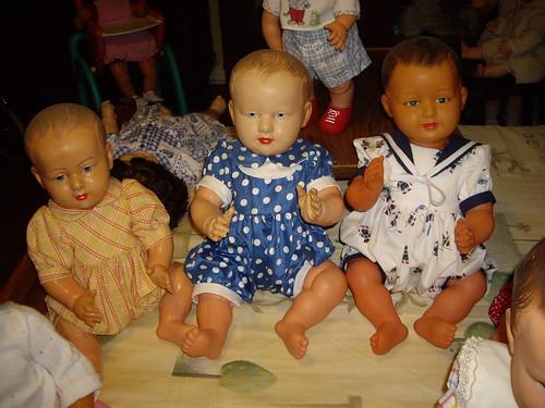 Les poupées de ma maison  11367936073_03f20c3cc8
