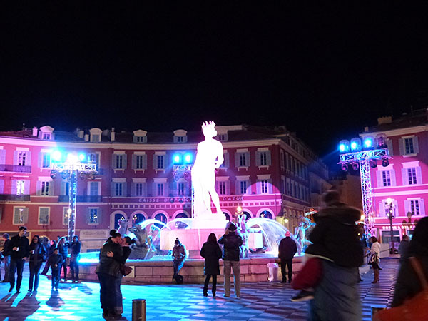 statue colorée 2