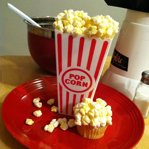 Buttery Popcorn Cupcakes