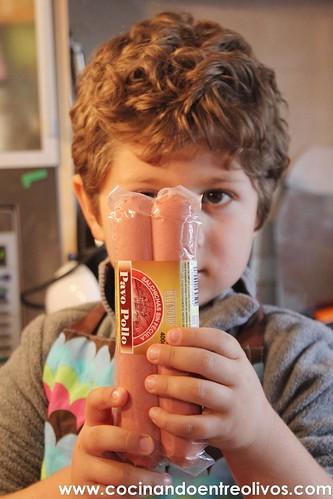 Medusas o Pulpos de espaguetis con salchichas www.cocinandoentreolivos.com (2)