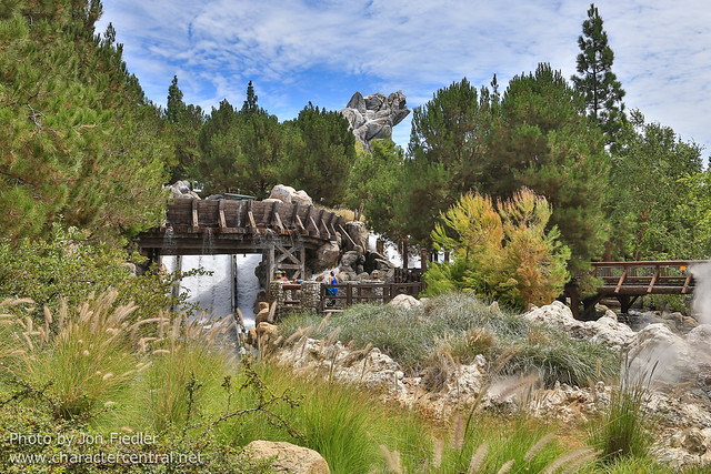 Disneyland Summer 2013 - Wandering through Grizzly Peak Recreation Area