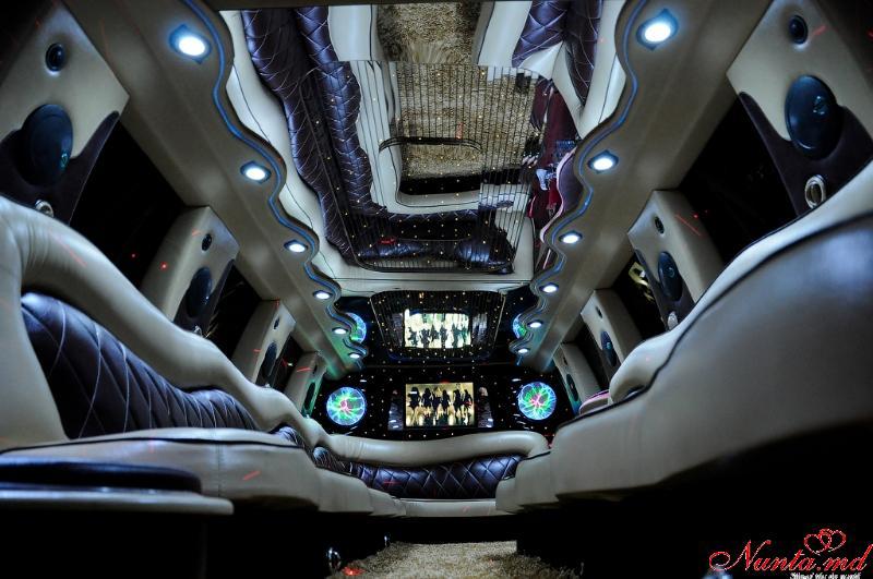 Limuzine în Moldova Chişinău «Prestige Limo» de la 50 euro > Foto din galeria `Ford Excursion 2004,lungimea 12m,pasageri 24`
