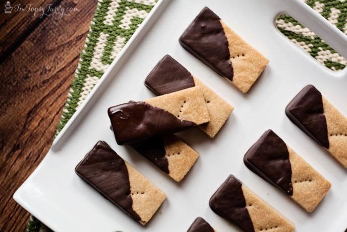 brown-sugar-shortbread-cookies-recipe