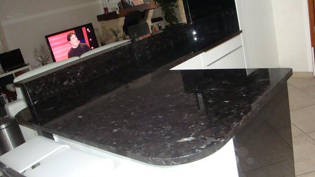 plan de travail cuisine noir paillet excellent granit plan de travail cuisine plan de travail. Black Bedroom Furniture Sets. Home Design Ideas