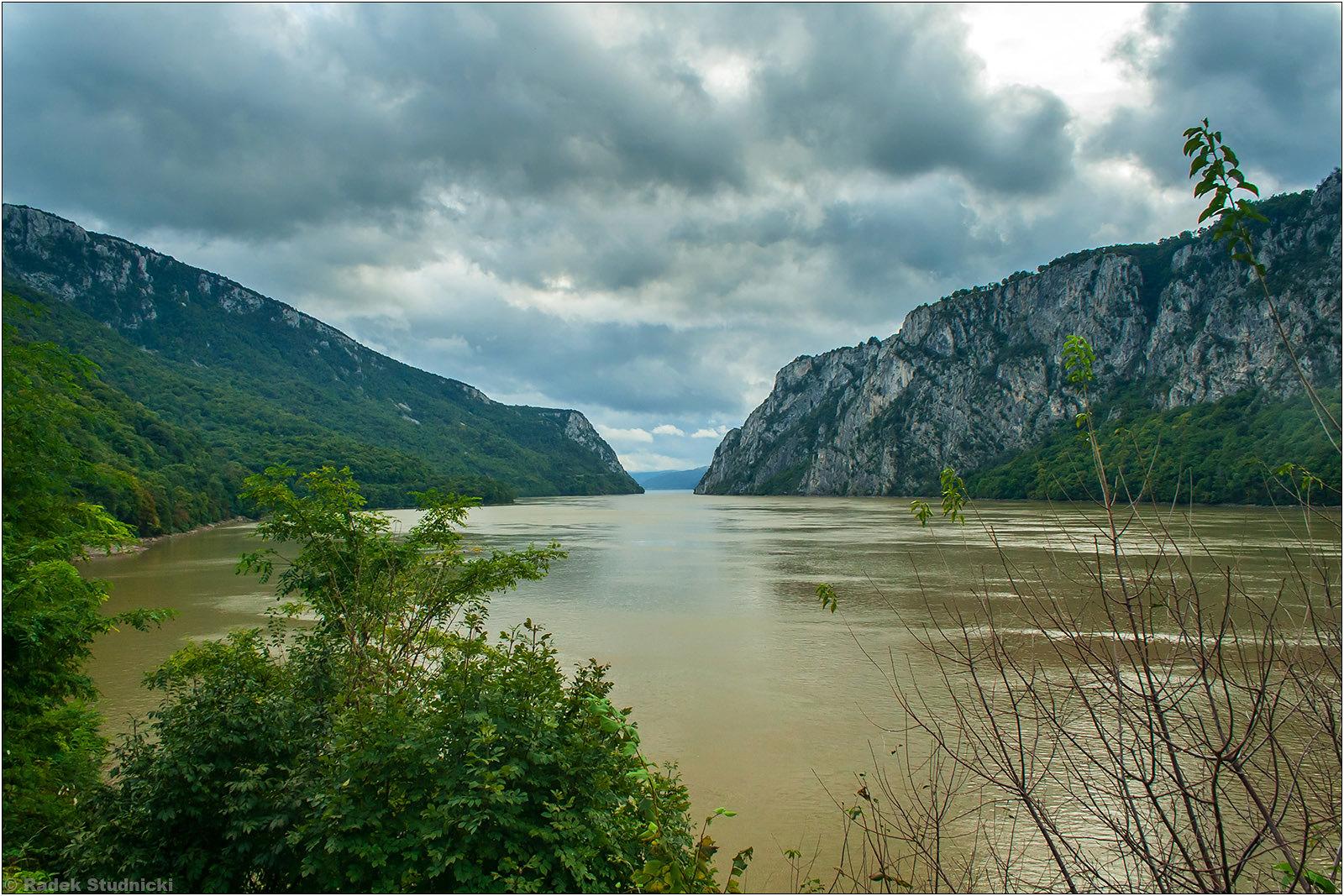 Przełom Dunaju na granicy Serbii i Rumunii