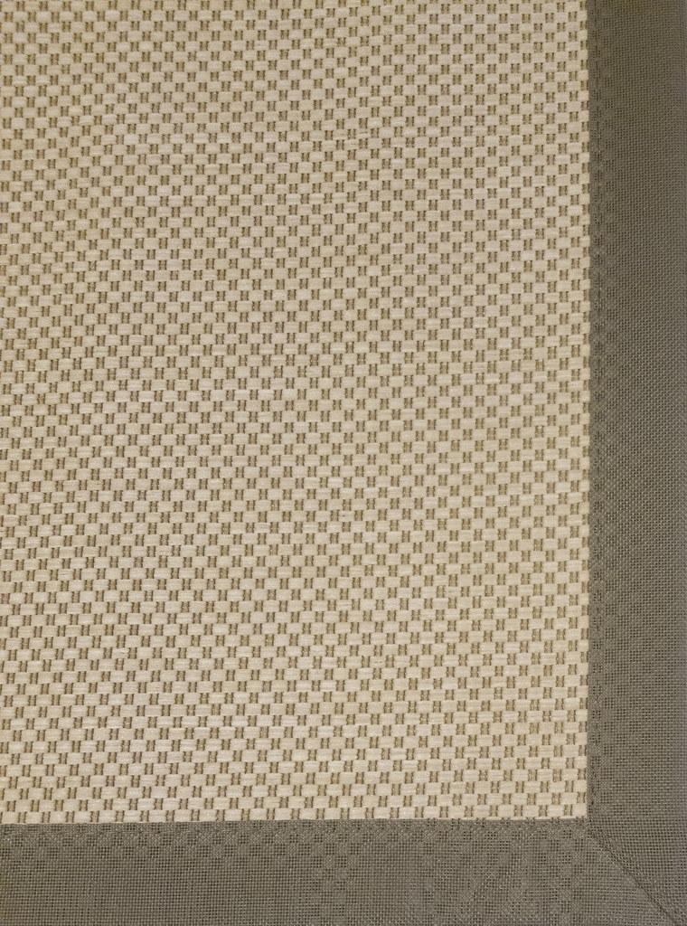 Anau B620 O85   Size: 1 70m x 2 40m Fiber Content: 100% PP B