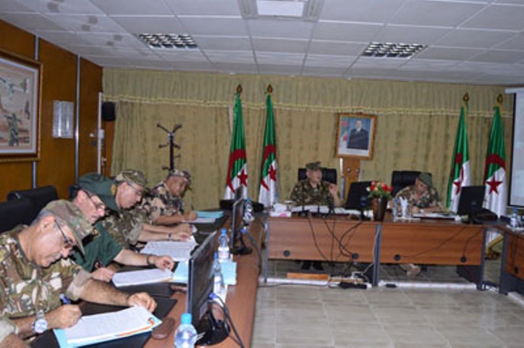 الجزائر : صلاحيات نائب وزير الدفاع الوطني - صفحة 4 30660792372_f0d932c780_o