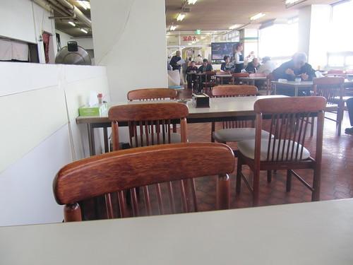 金沢競馬場の不二家のテーブル
