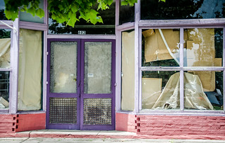 Olar Purple Door