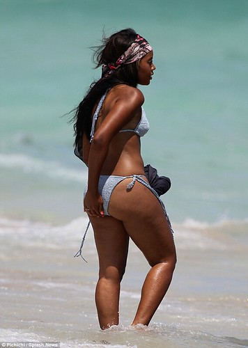 Sexy ass angela Simmons on Miami Beach showing off her thick thighs and plump rump