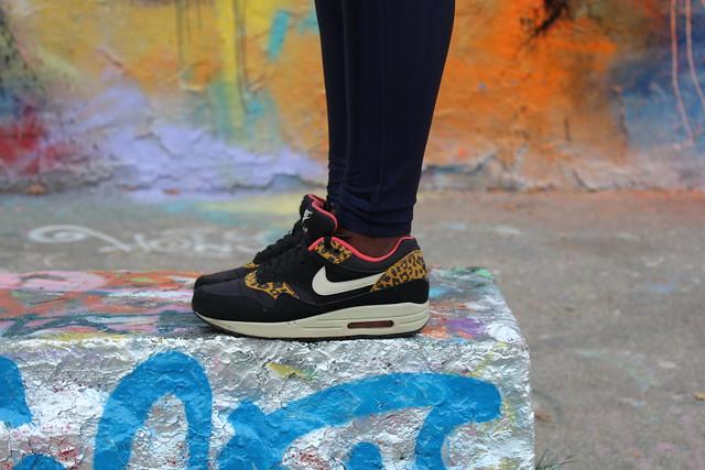 bosque Espinoso para ver  FOOT LOCKER SNEAKER MIX 2013 - L is for Lois