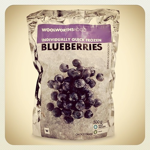 Yummy Favorite Berries from @woolworths_sa Frozen Summer Fruit Parfait - recipe on the Blog www.therabbitandtherobin.co.za {follow me @robindeel on Instagram} Official @rabbitandrobin  #vegan #banana #blueberries #raspberries  #strawberries #frozendessert