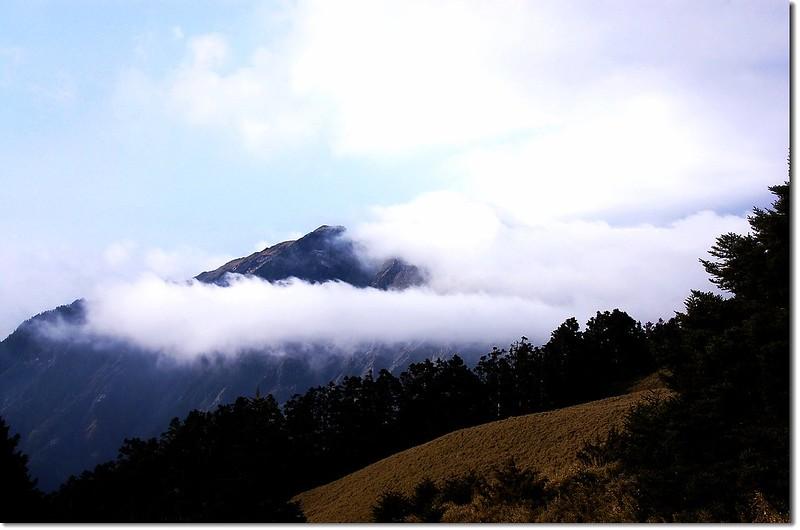 霧鎖奇萊北 12