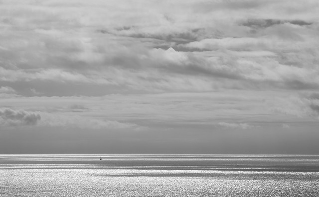 Cloudy sky and shining sea 2 (BW)