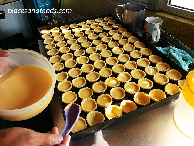 tai zi egg tarts shop cooking