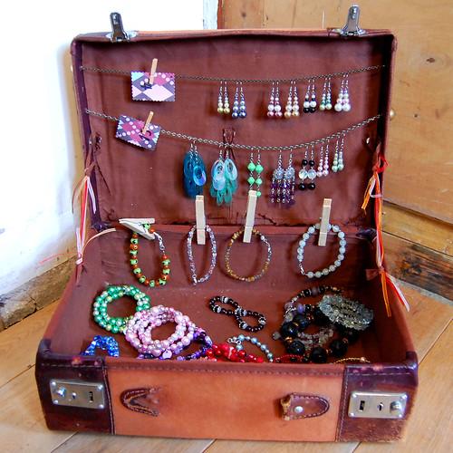 beaded jewellery suitcase