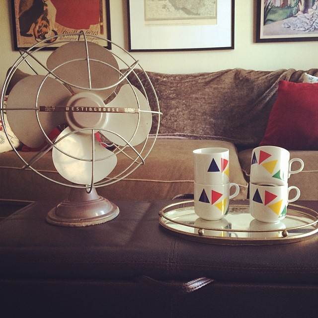 Vintage finds for the shop, part 2: -Westinghouse fan (it works!)  -four Mikasa Primary Points mugs -brass mirror tray #vintage #thrifting #thriftfinds #retro #vintagesoup