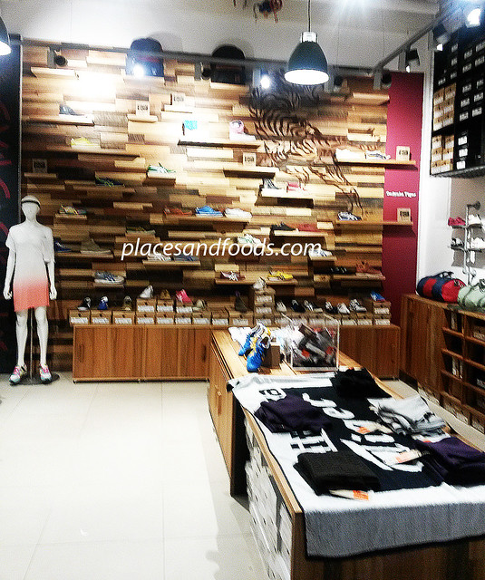 onitsuka tiger shop birkenhead point interior