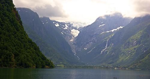 Scenic drive to the Briksdalsbreen (aka Briksdal glacier)