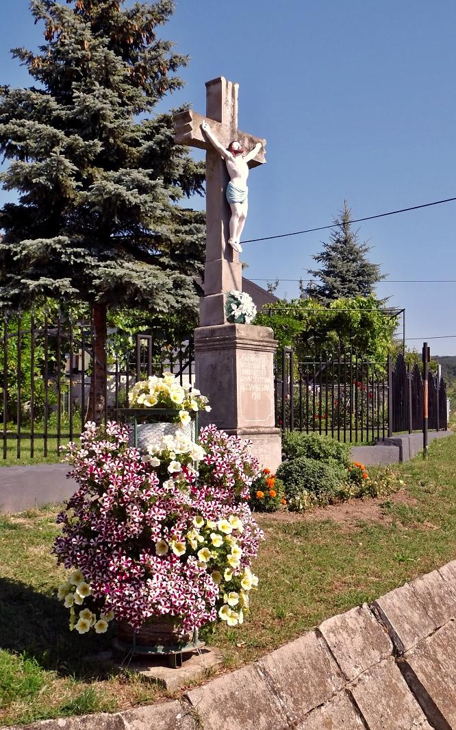Kríž pred obcou