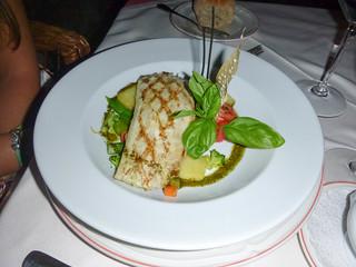 Filete de Dorada acompañado con verduras y patatas asadas