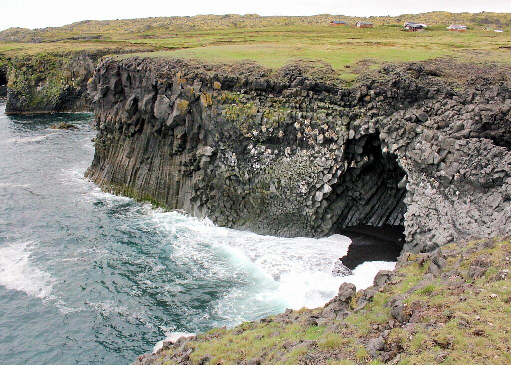 snaefellsnes-peninsula-arnarstapi-waves