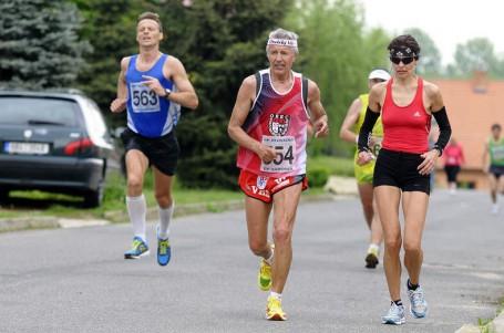 Když proběhnu cílem, mohl bych klidně pokračovat, říká běžecká legenda