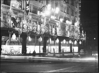 Coronation decorations; illuminations of Sydney, 12/5/1937, Sam Hood