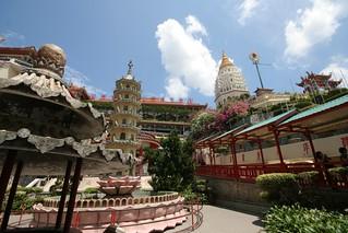 Day4-1 巨大な仏教寺院「極楽寺」