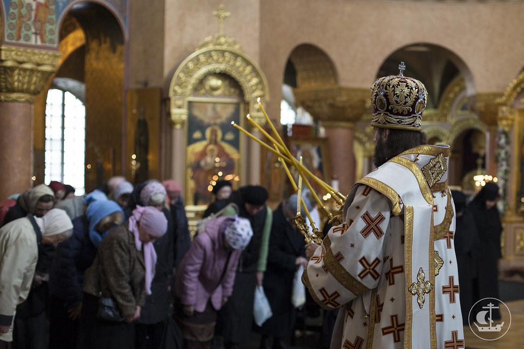 30 сентября 2013, Божественная Литургия в Воскресенском Новодевичьем монастыре