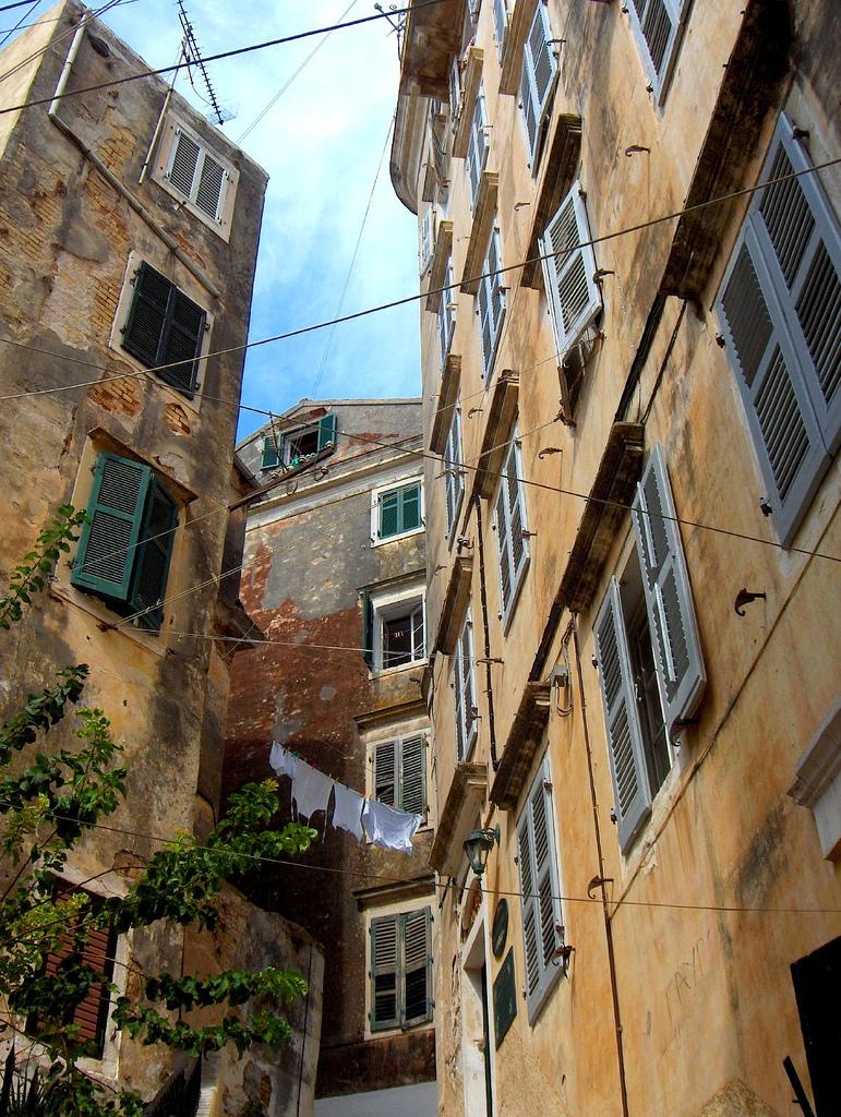 10. Casas en la parte antigua de la ciudad de Corfú. Autor, Ingridf_nl