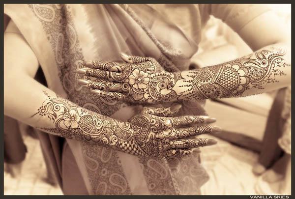 Latest Mehndi Trend Modern Mehndi Designs 2013