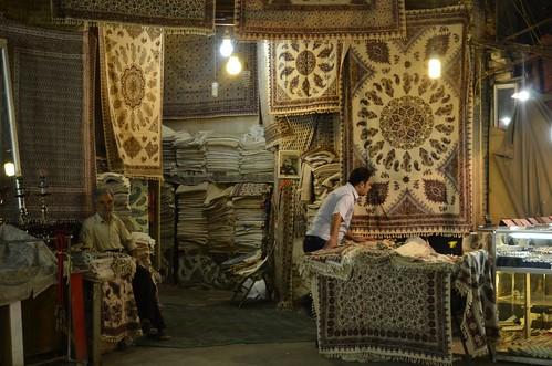 Tienda en un bazar de Irán
