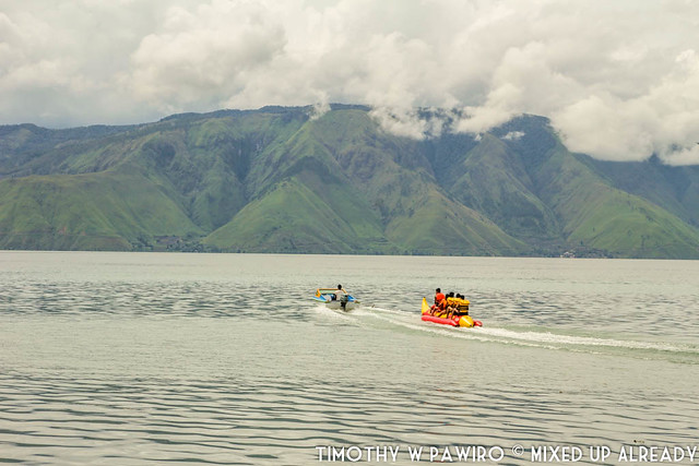 Indonesia - Medan - Samosir - Parbaba village - Lake Toba - White sand beach - banana boat